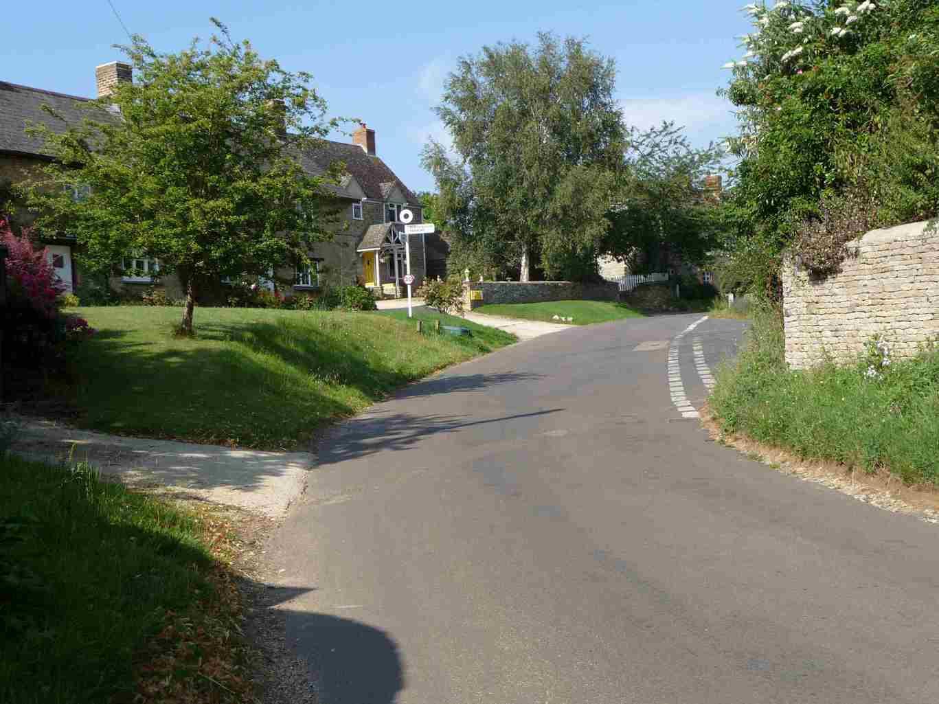 Middle Aston (2)